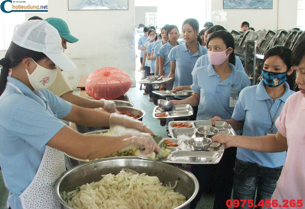 khay ăn inox cho công nhân nhà máy