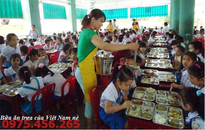 khay ăn inox trường học