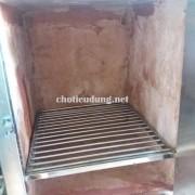 Bên trong lò ủ than hoa có xây gạch cách nhiệt rất tốt